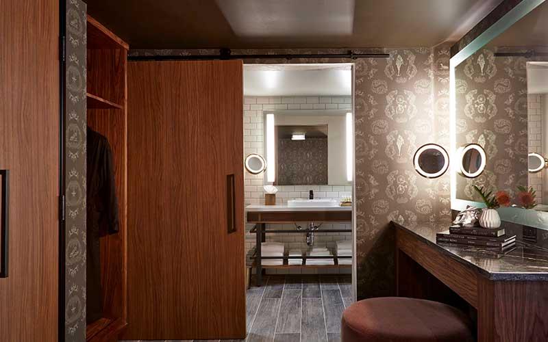Suite Dressing Area